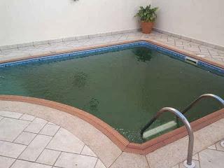 piscina suja