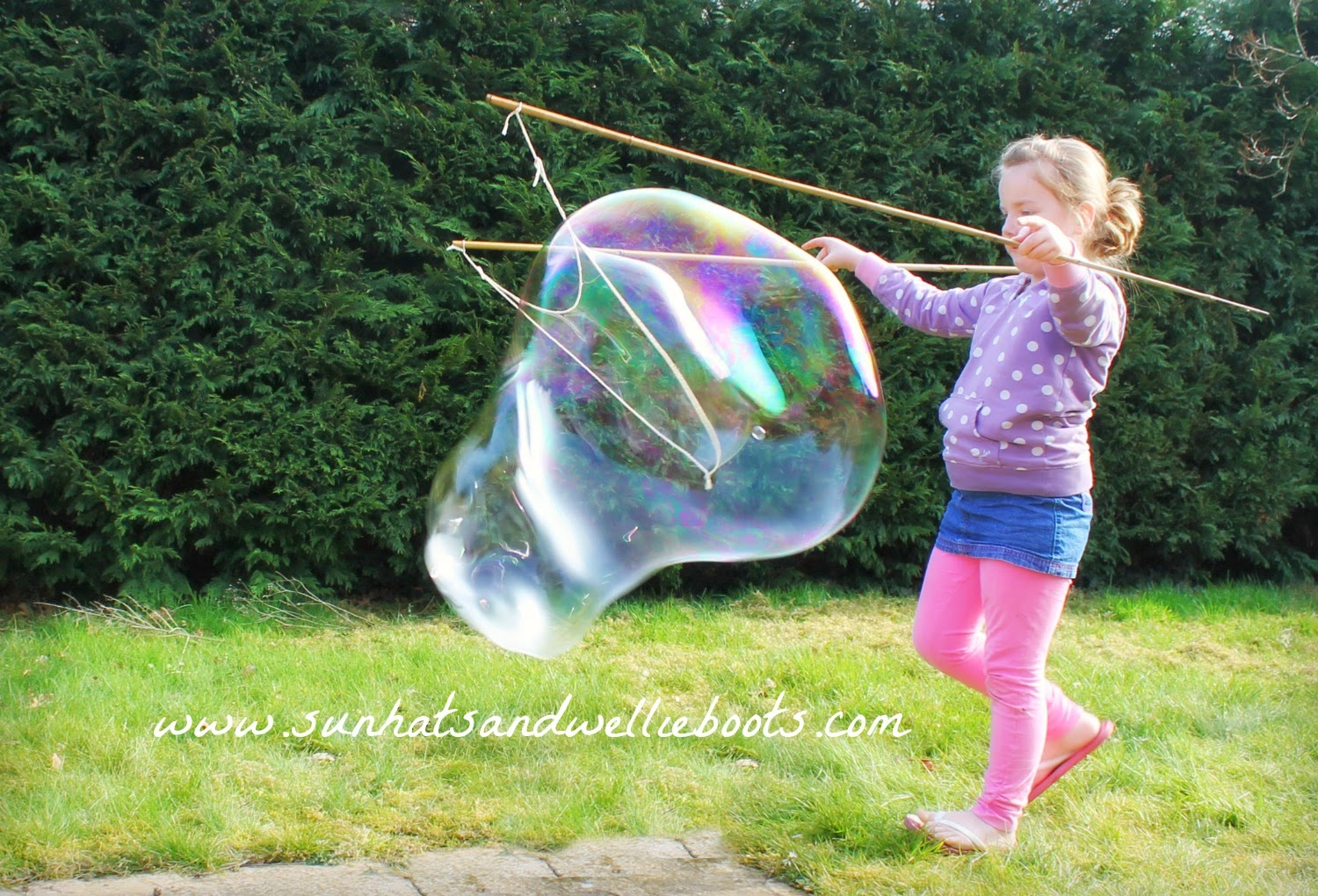 Sun hats wellie boots how to make giant bubbles with a for Giant bubble wand