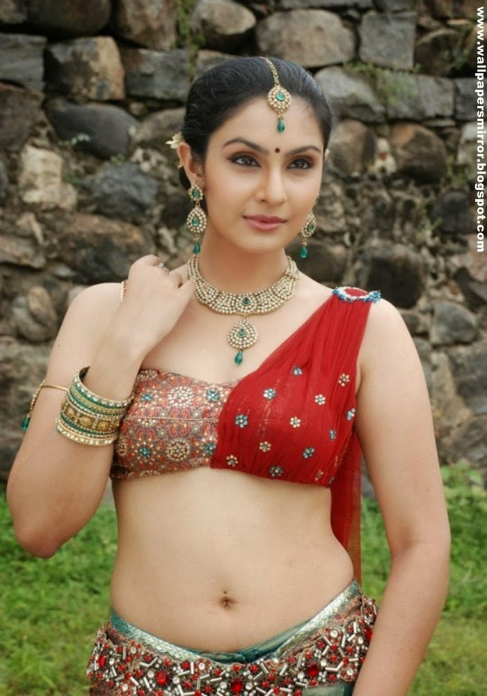 Top 10 south actress hot Navel in saree