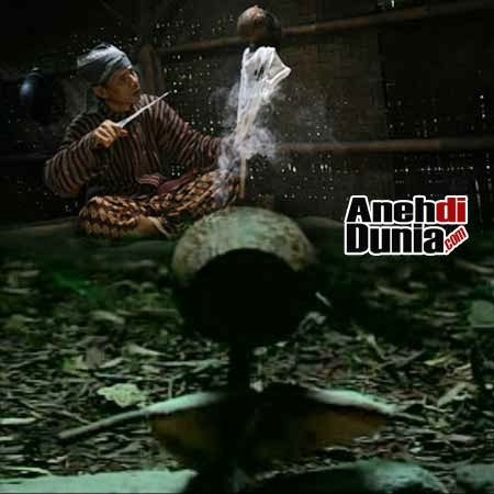 http://4.bp.blogspot.com/-gSXD8QnaMgY/UorYFqcTPfI/AAAAAAAAI1k/sf9I-arcpXE/s400/jelangkung-jailangkung-.jpg