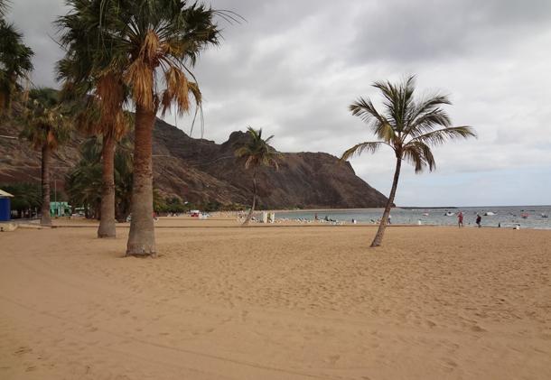 من أروع الشواطئ في العالم على خورة فقط ! tenerife1.png