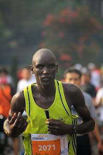 lari jarak jauh marathon