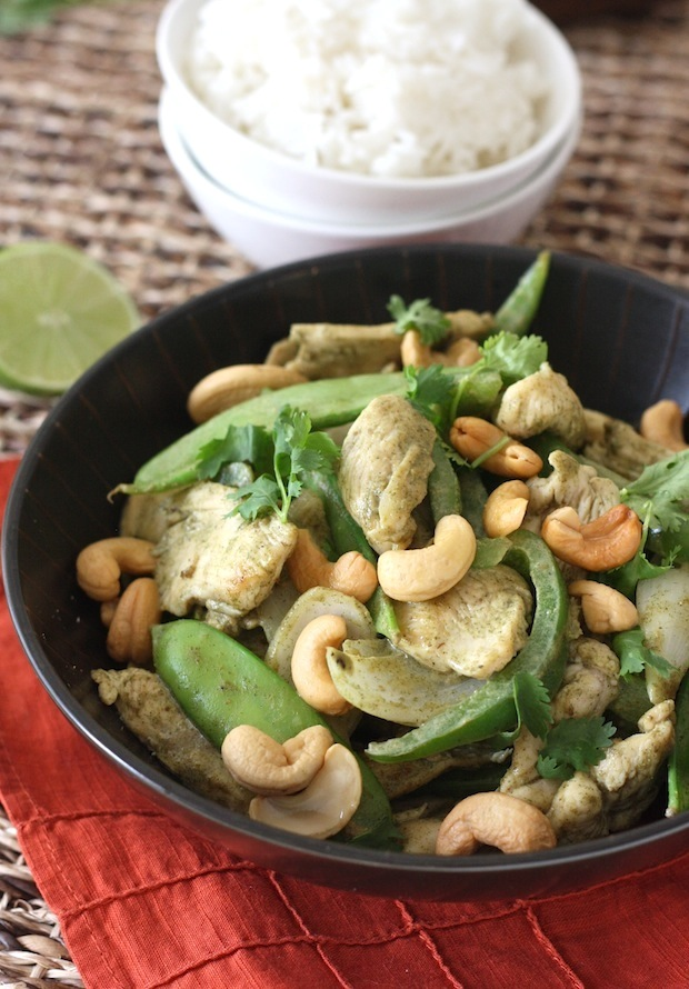 Thai Green Curry Chicken Stir-Fry with Cashews recipe by SeasonWithSpice.com