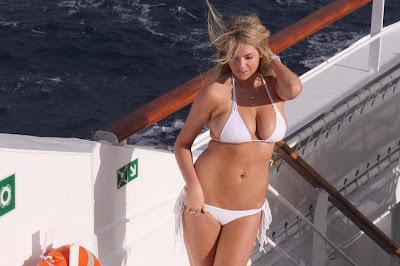 Kate+Upton+Sports+Illustrated+Bikini+Photoshoot