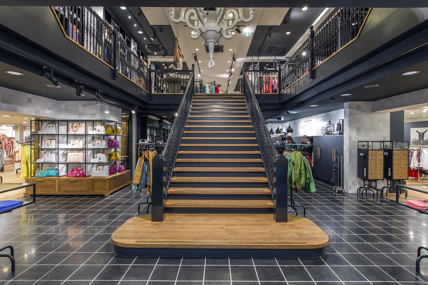 Frederiks Interieurs: Rinsma Fashion Plaza