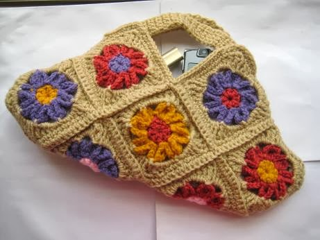 Granny Square Bag Free Pattern : Crochet Dreamz: Floral Bag, Granny Square Bag, Free Crochet pattern