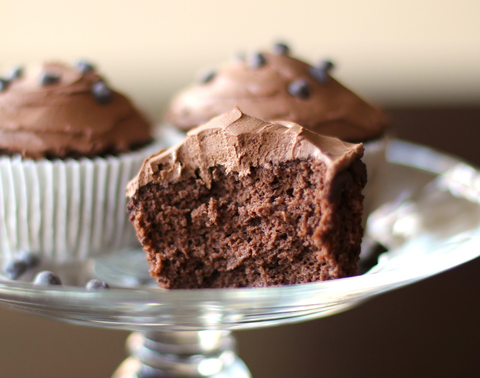 Healthy Bittersweet Chocolate Quinoa Cupcakes with Chocolate Frosting