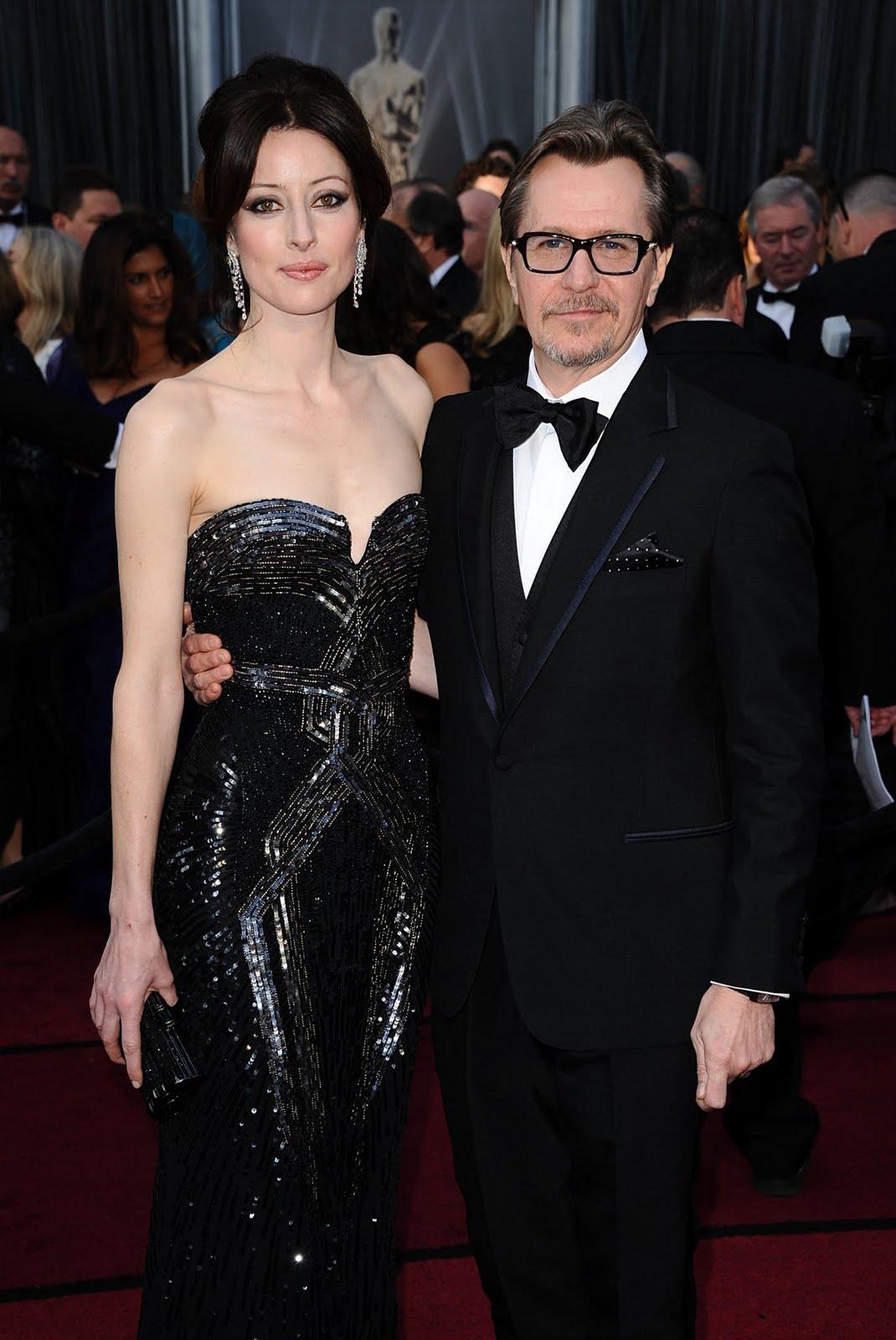 http://4.bp.blogspot.com/-gTW903dHTKA/T0r6ezEIJGI/AAAAAAAAk1s/32eyBLMRYg0/s1600/Gary+Oldman+%2526+his+wife+Alexandra+-+2012+Oscars.jpg