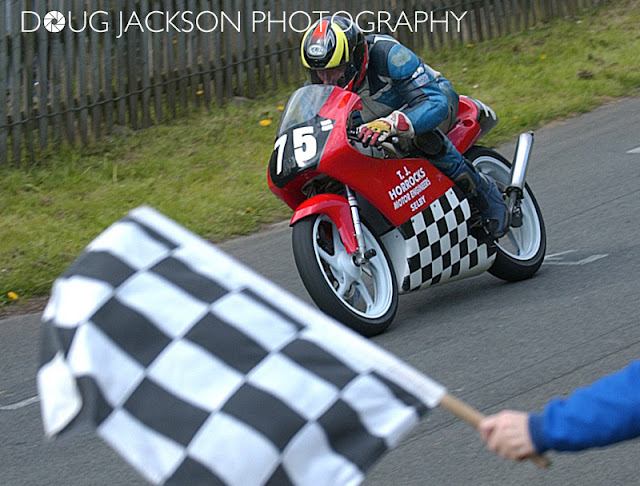 OLIVERS MOUNT FLAG CHEQUERED FLAG