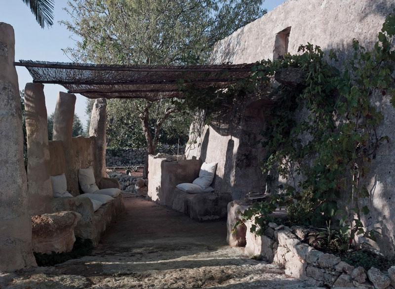 caseta agrícola transformada en hogar contemporáneo Luca Zanaroli