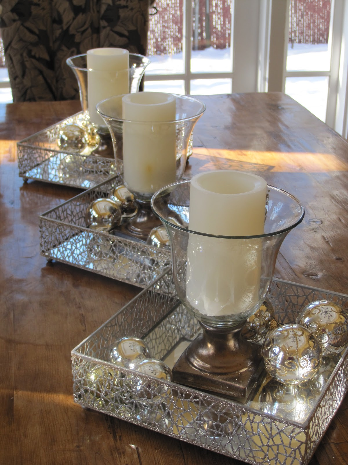 Simple details christmas decor around our home for Centerpiece ideas for the dining room table