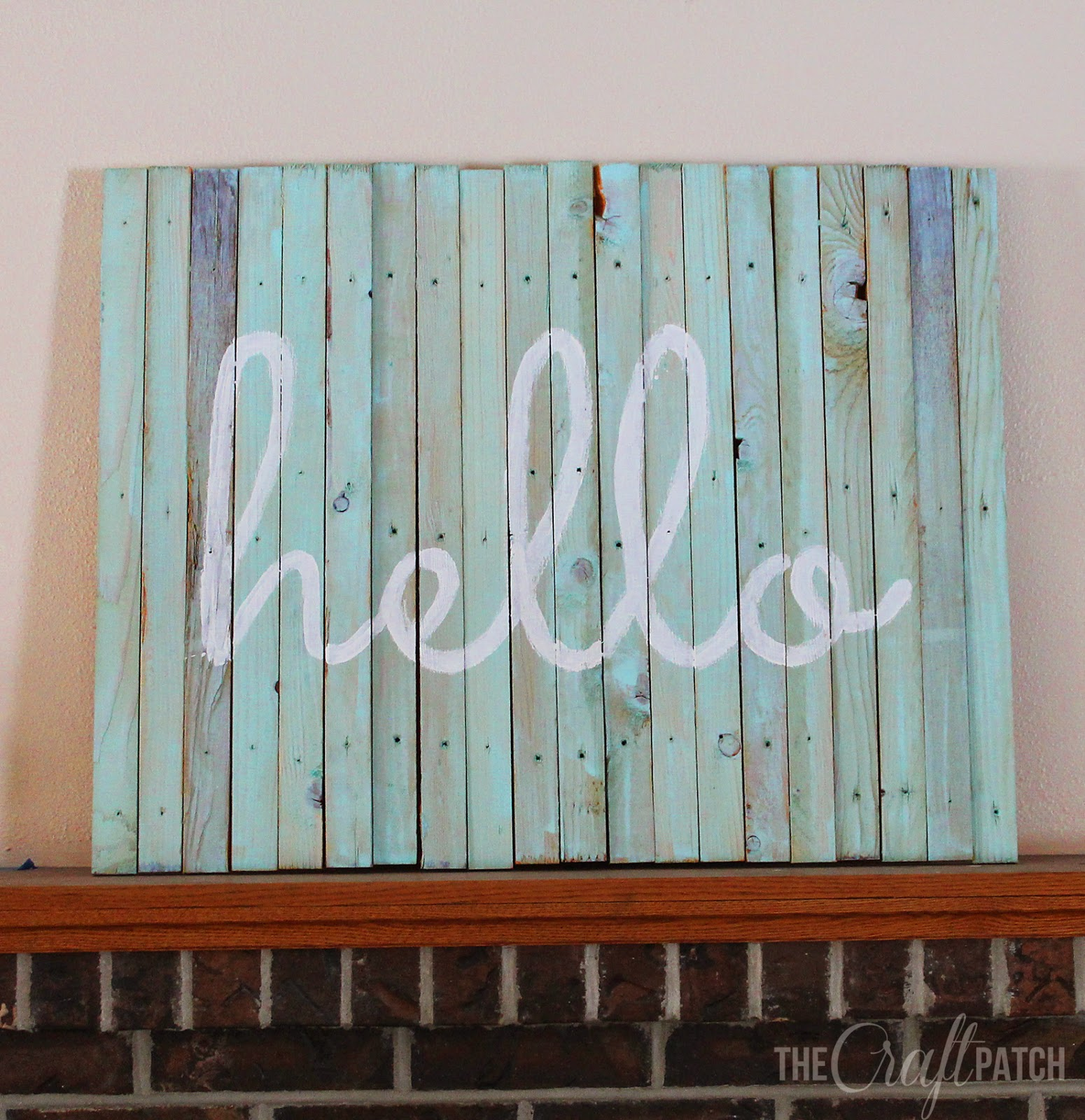 the craft patch diy beachy pallet wood hello sign