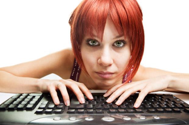 Pesquisa indica que por internet tem gente que deixaria chocolate, álcool, banhos e até sexo