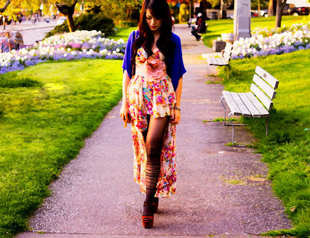 Unif Flounce Dress in light pattern, floral maxi dress, floral layered maxi dress, dusty rose large flower belt, propaganda blue knit shrug, romwe tights, kimchi blue platform suede brown and black sandals, street style, fashion, poser style, spring dress, green fields, gold vintage quilted crossbody purse, unique items, statement dress