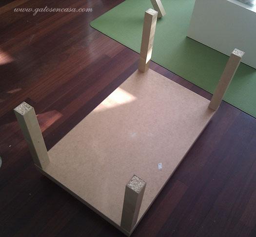 Maravillosa Cama Rascador Con Dos Mesas De Ikea