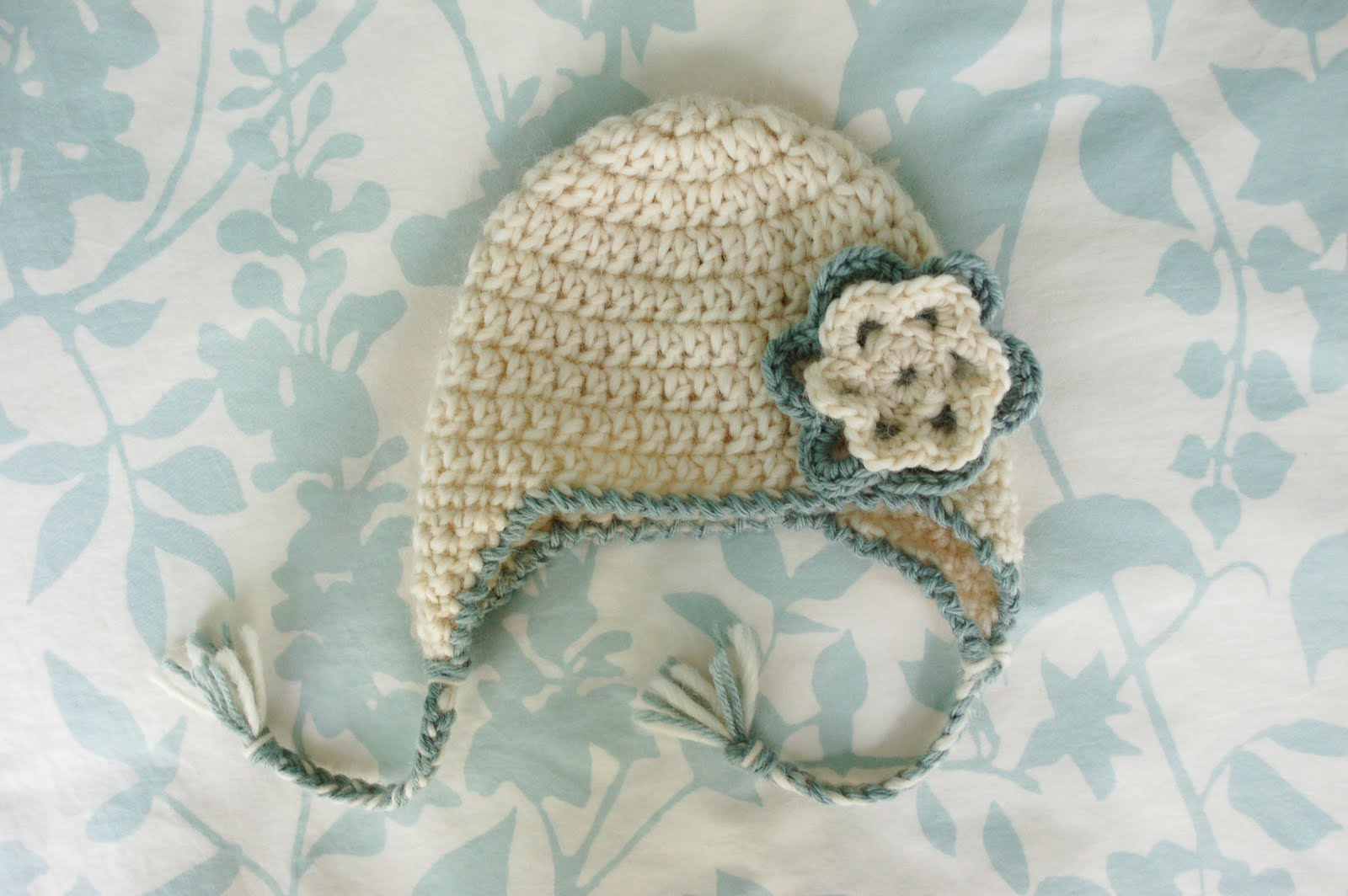 Free Crochet Patterns For A Baby Blanket : Alli Crafts: Free Pattern: Baby Earflap Hat - Newborn