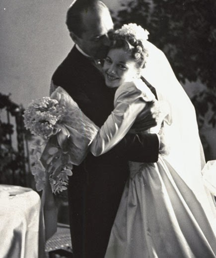 HVB vintage wedding blog - Remembering Joan Fontaine, in her 1930s wedding dress