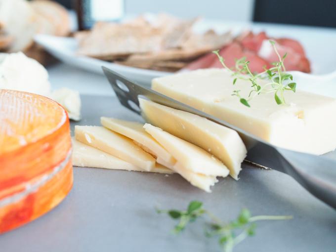 Kartanon Meijeri juusto fuuga, jokioisten leipä juusto