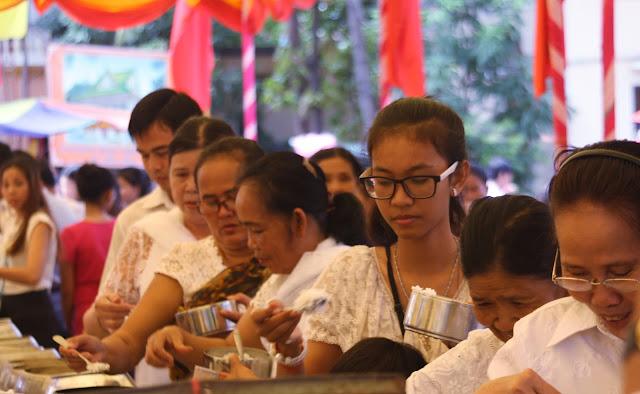 Phnom Penh à l'heure du festival Ka Ben. Photo par Christophe Gargiulo
