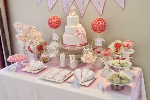 Candy buffet tartas fondant cupcakes y galletas sevilla for Mesa de dulces para bautizo de nina