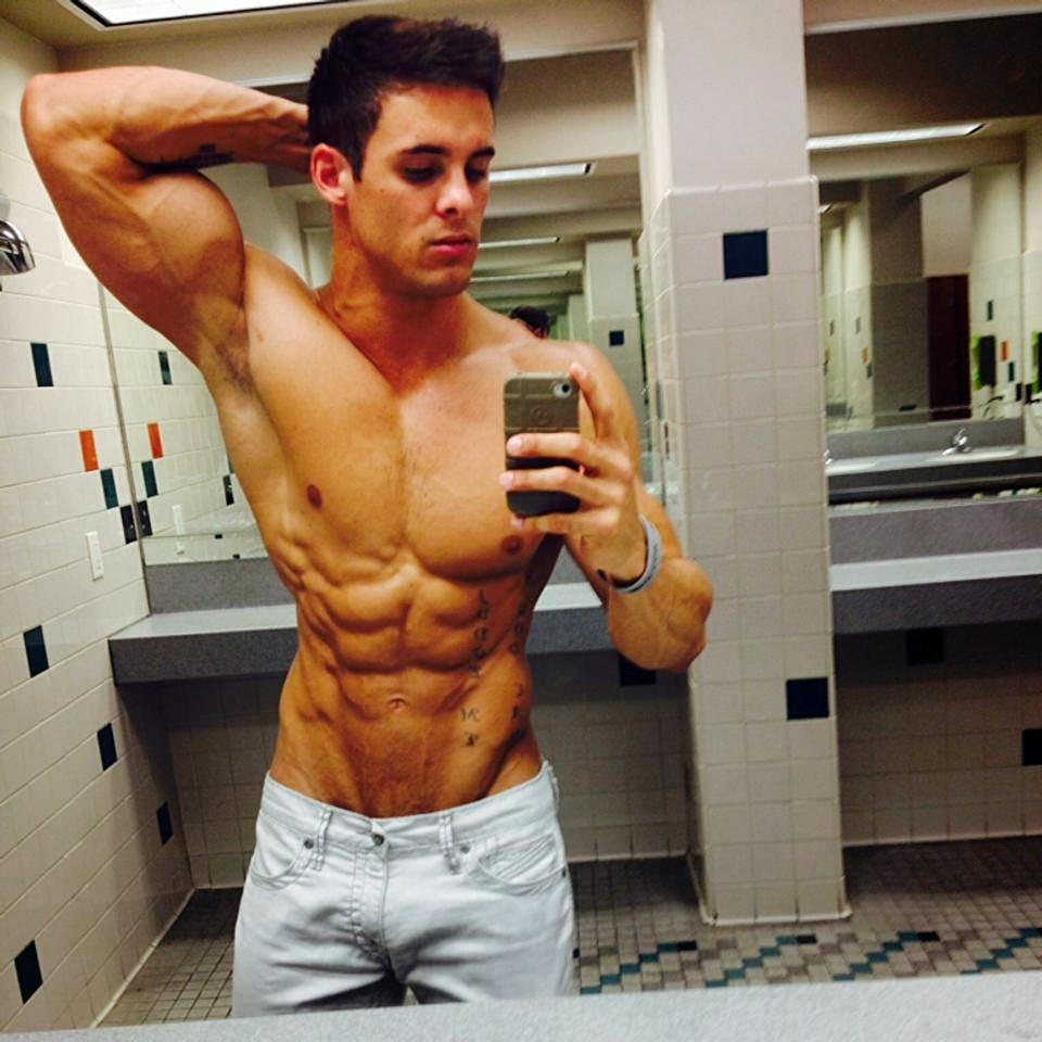 Daily Bodybuilding Motivation: The Amazing Physique and Muscle of Logan Frankin