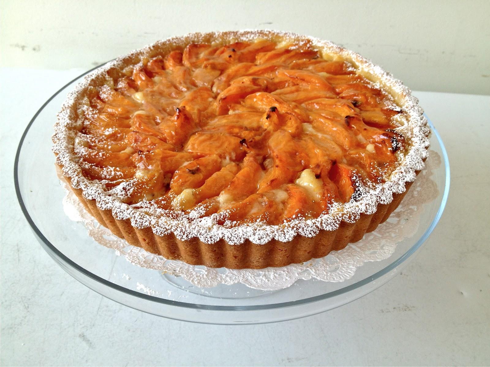 ... Sugar Hippie: Tarte Amandine aux Abricots (Apricot Almond Cream Tart