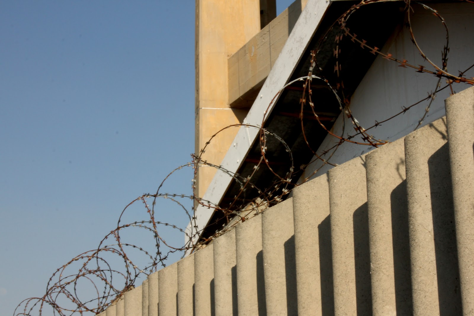 Joburg every day: Barbed wire and concrete