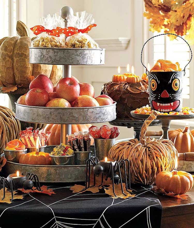 harvest halloween tablescape