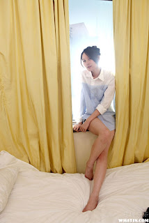 Zeng Kai Xian Taiwanese model undress bed photo 12