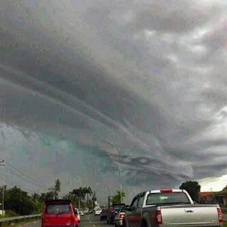 Foto Awan Naga di Langit Ciawi Bogor
