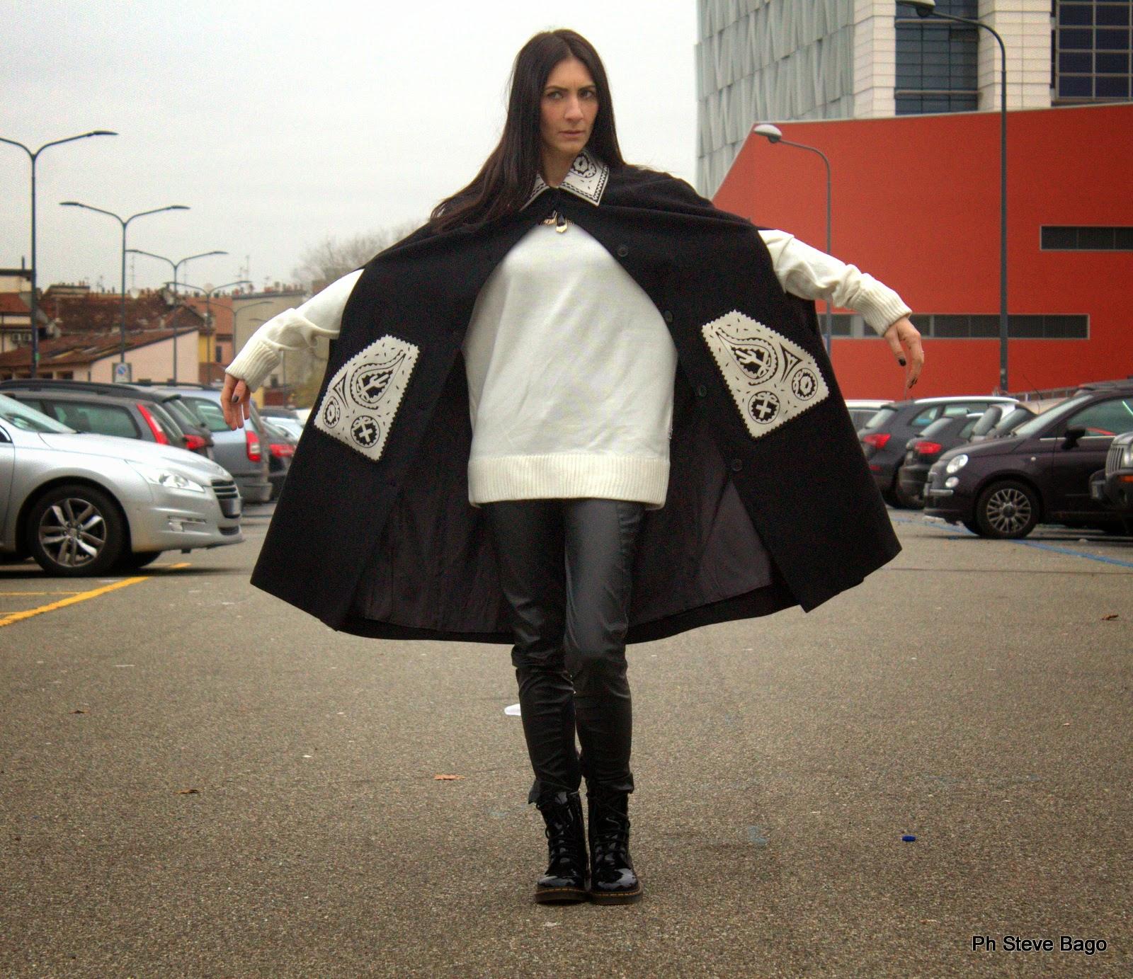 themorasmoothie, fashion, fashionblog, fashionblogger, ivanahelsinki, capa, dr martens, ivana helsinki, fashion, outfit, ootd, look, themorasmoothieoutfit, lookoftheday, outfittheday, shopping, shopping on line, moda, mode, blogger, italianblogger, italianfashionblogger, girl, me, model