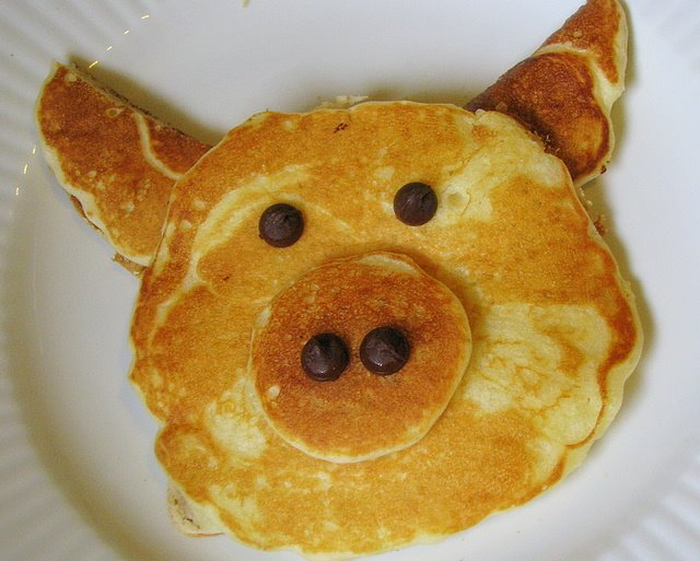 The Chatty Pig: Mmmm, Pig Pancakes!