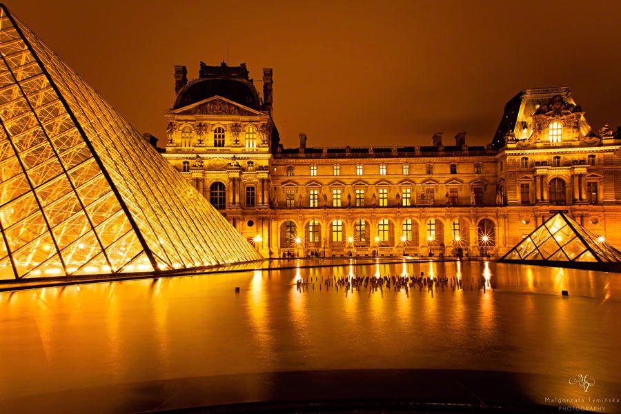 8. Louvre in gold by Małgorzata Tymińska