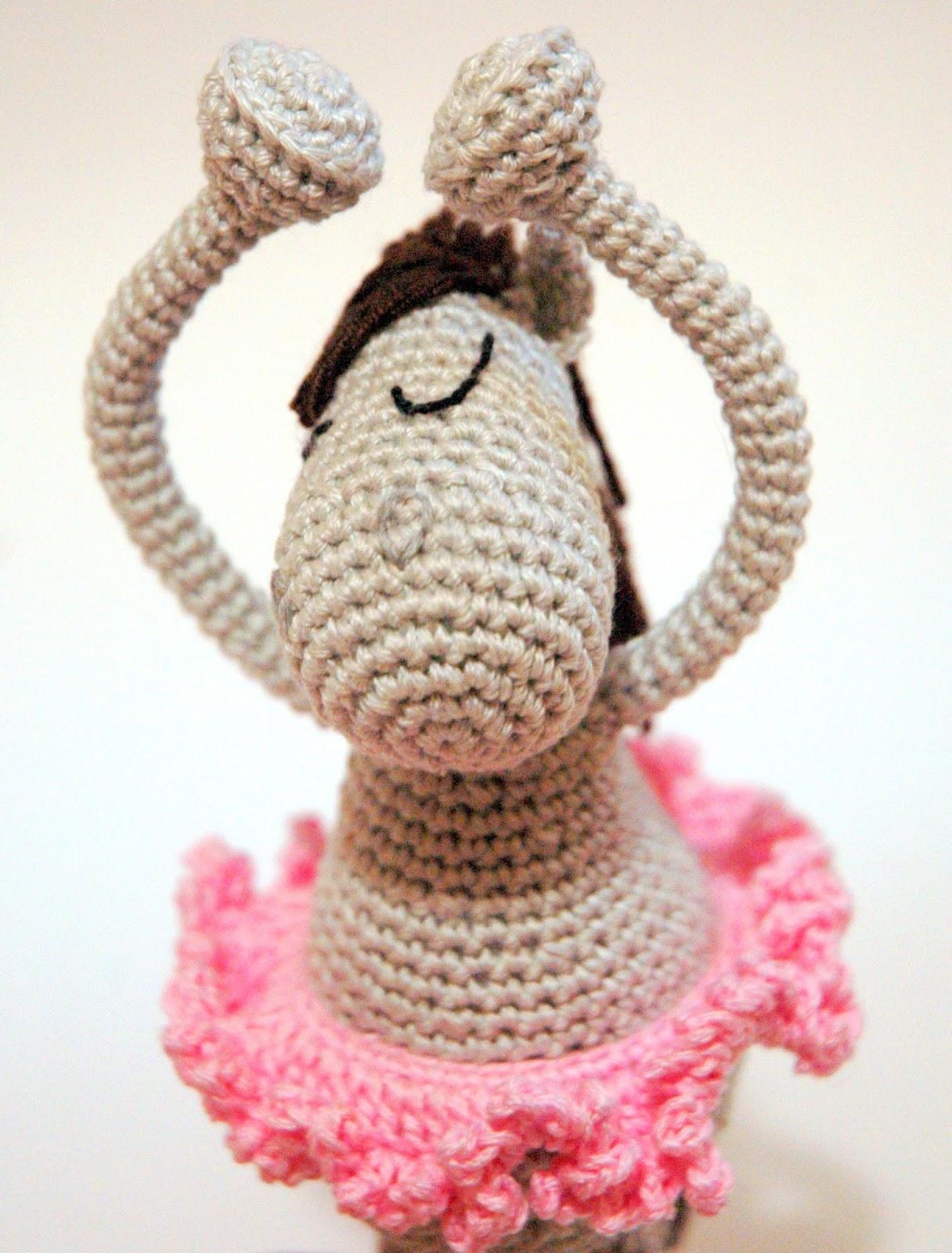Символ года лошади. лошадь балерина
