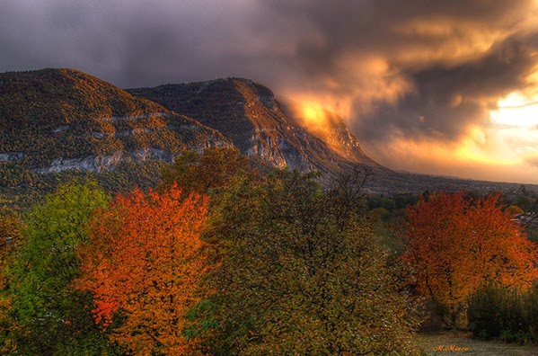 autumn sun set mountain
