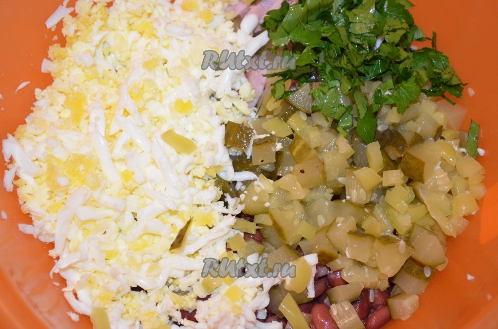 Салаты с фасолью ветчиной и сухарикамиы с фото