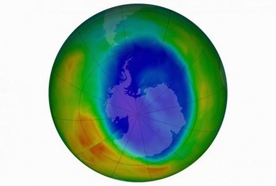 Lubang Ozon di Antartika Mengecil