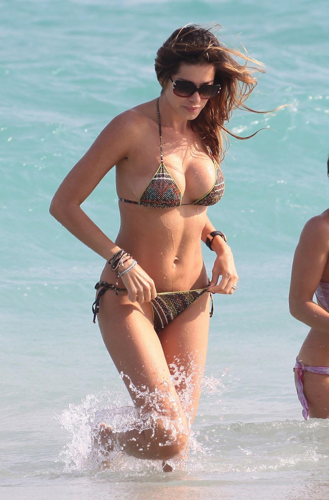 Hot Blog Post: Aida Yespica Bikini Candids On The Beach In ...