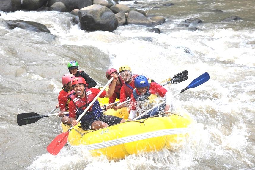 Arung Jeram Jogja Arung Jeram Di Jogja Yogyakarta Arung Jeram Magelang Jogja Paket Rafting Sungai Elo River