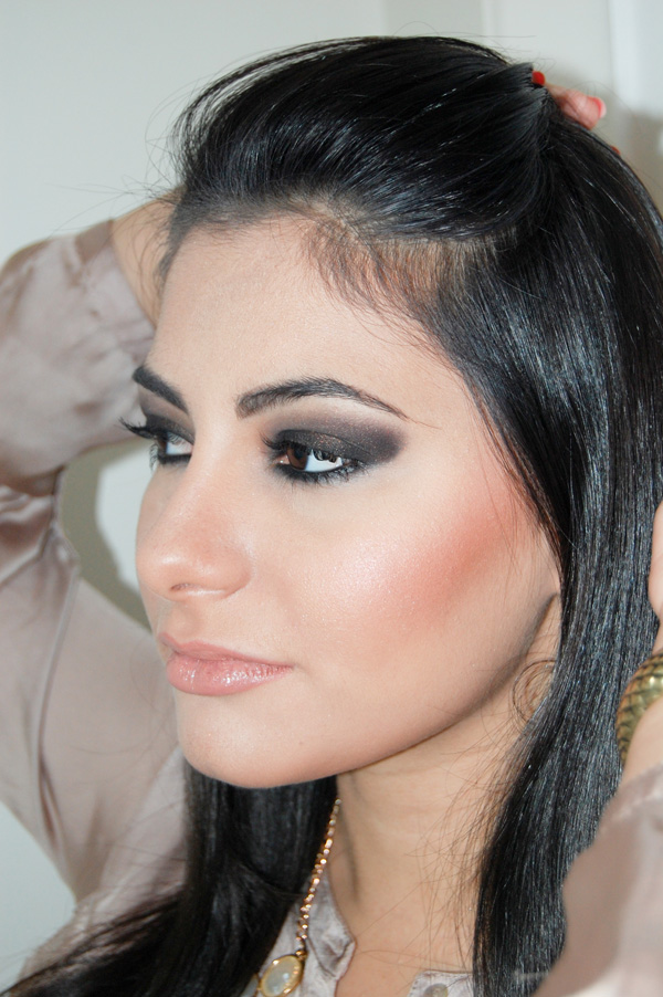 Maquiagem inspirada na Kim Kardashian
