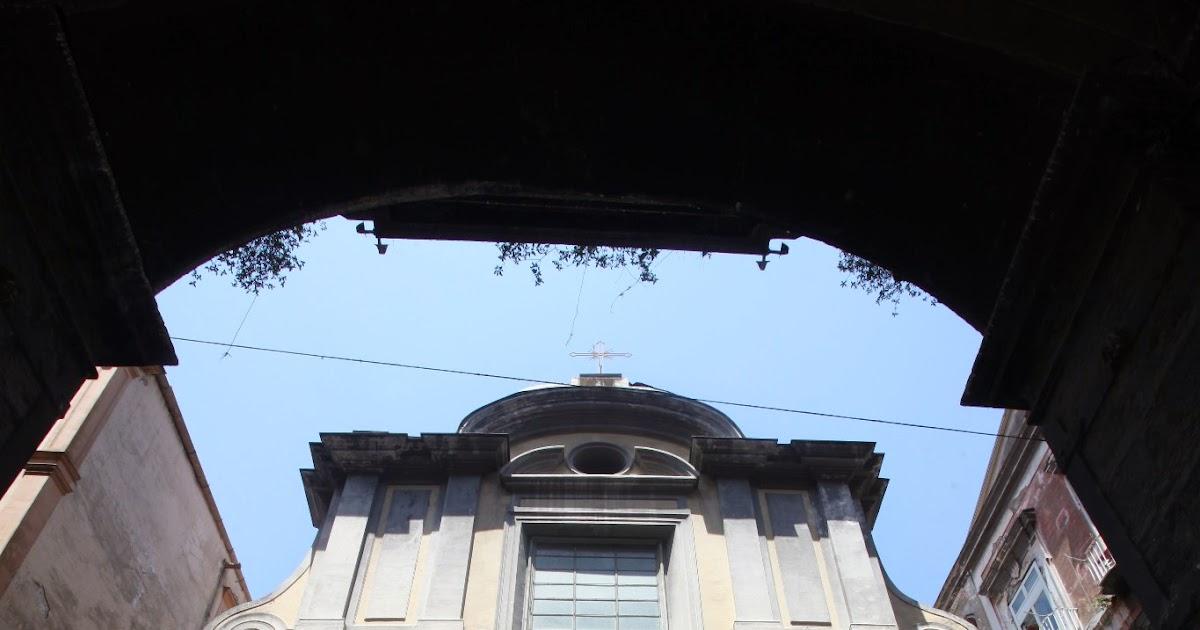 Guru meditation chiesa del purgatorio ad arco for Cabina del tetto ad arco