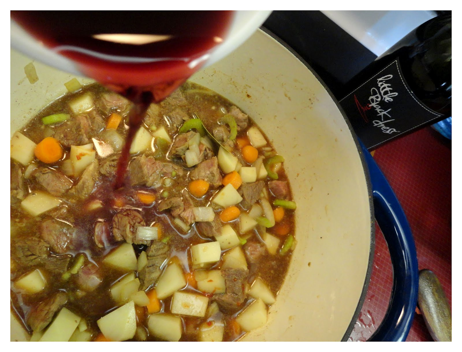 A Mom Knows Mess: Red Wine Beef Stew