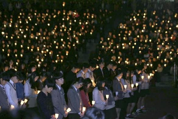 Candle light vigil at South Korea for the sunken ferry
