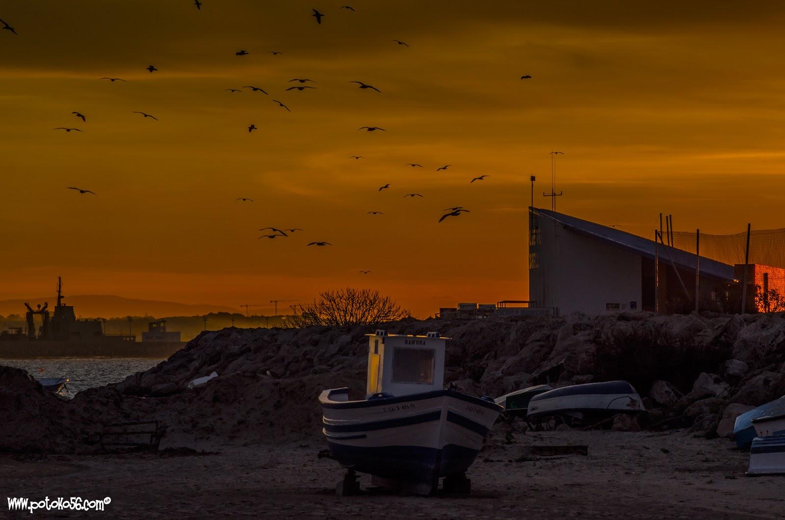 Rota amaneciendo por la Playa del Chorrillo