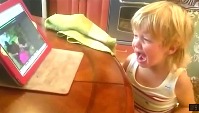 Little Russian Girl Cries over Yaya Dub Kidnapped episode