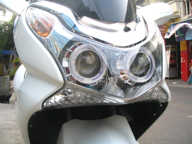 Lampu depan CUSTOM, Projector, HID, Angel Eye dan Devil Eye masing  title=
