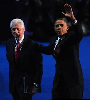 クリントン元大統領(左)とオバマ大統領