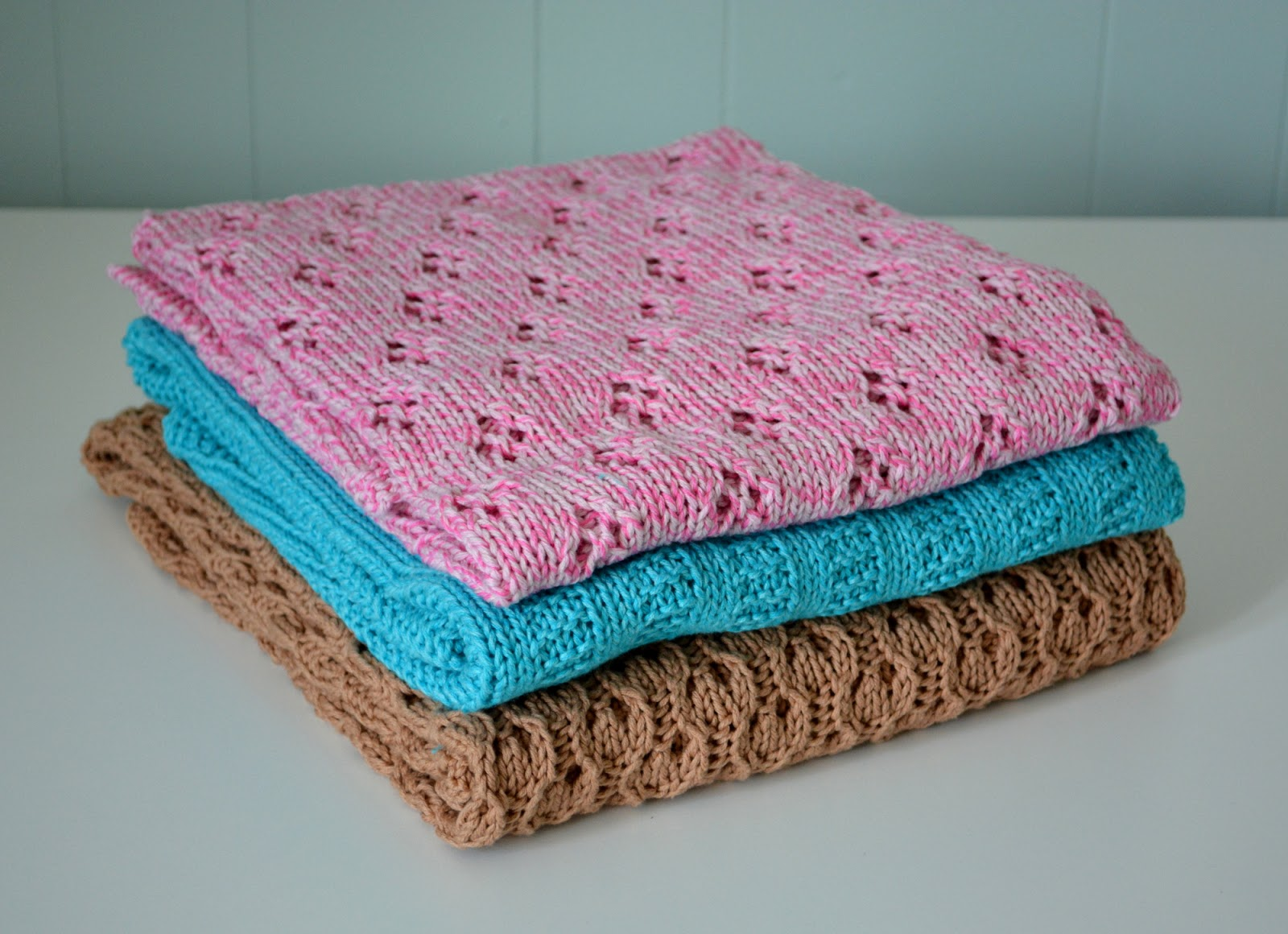 cozy birdhouse | blankets galore