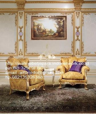 toko mebel jati klasik,jual sofa Classic Eropa,Jual Mebel Jepara,Sofa Classic cat Duco,Sofa Classic Jepara,Sofa Classic High class,Jual Mebel ukir asli Jepara,Jual Sofa Classic CODE-SFTM 149 sofa classic cat emas