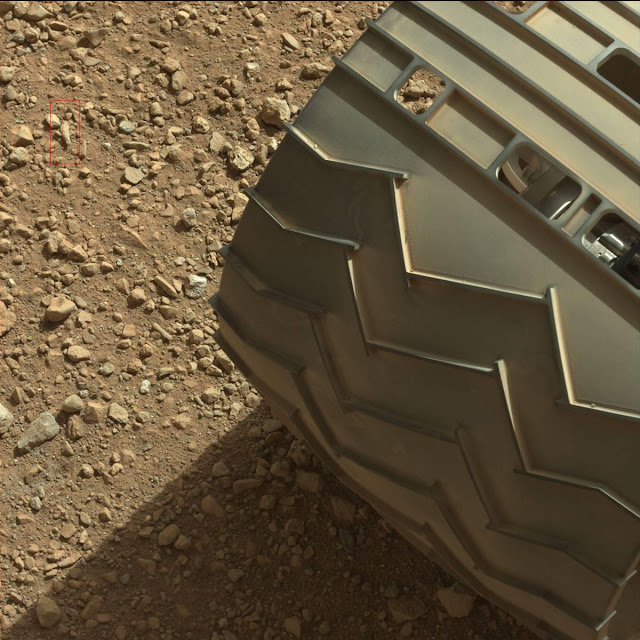 nasa-mars-Curiosity-finger.jpg